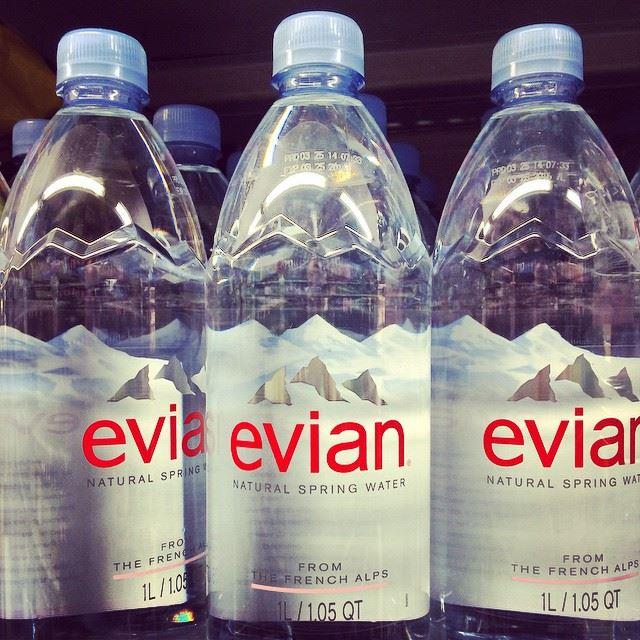 Evian sa zaviazal, že v priebehu siedmich rokov bude používať 100 % recyklované fľaše