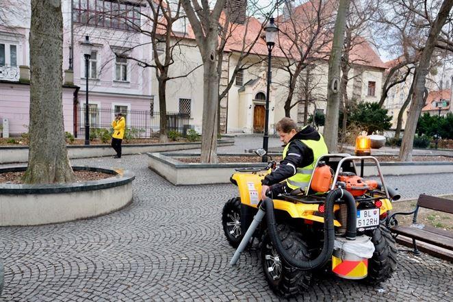 Zber psích exkrementov bude v Bratislave zabezpečovať nové vozidlo