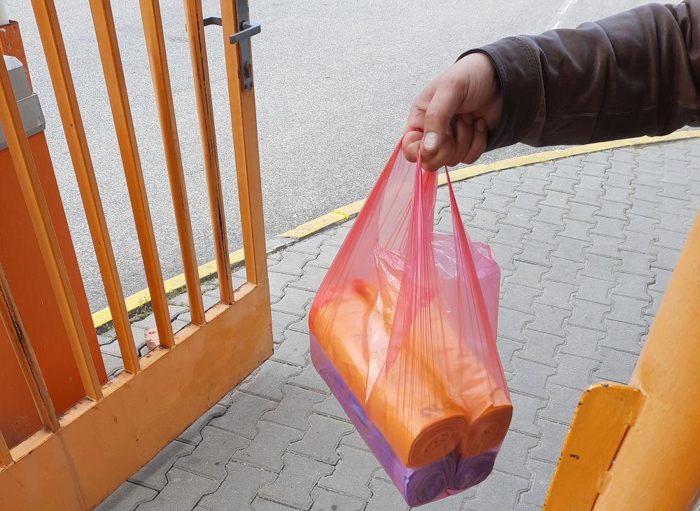 OLO bude roznášať vrecia v mestských častiach Bratislavy zapojených v prvej etape