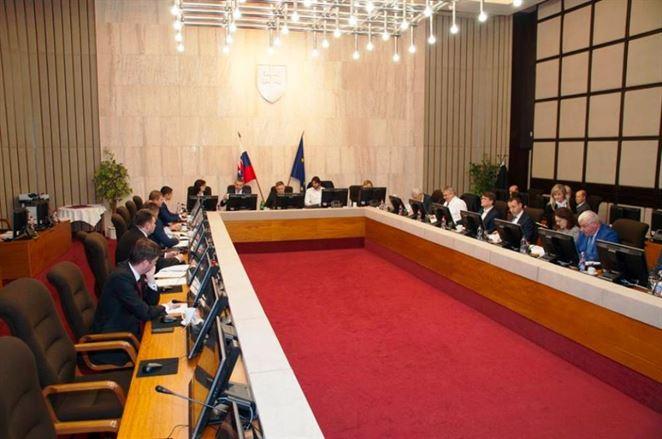 Ministerstvo bude sanovať ďalšie envirozáťaže. Vláda odklepla desať lokalít