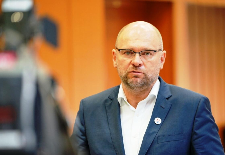 Marcel Slávik nezmyselne brzdí EIA, tvrdí Sulík a podáva trestné oznámenie