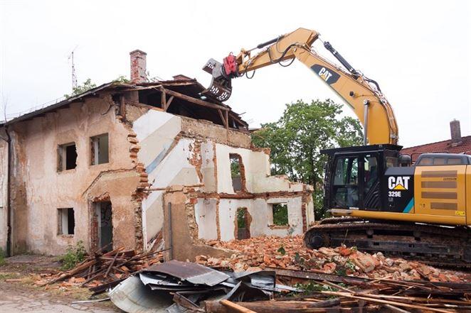 Ako na odstránenie starej stavby?