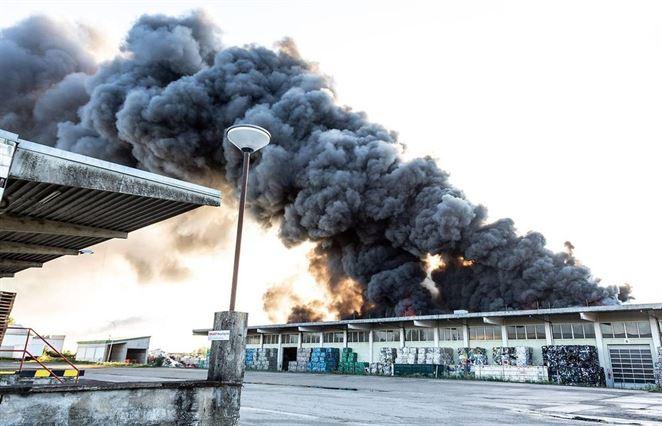 Triediaca linka na plastový odpad horela v Rakúsku