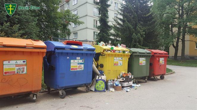 Ústavný súd zamietol návrh ombudsmanky k poplatku za odpad pre dieťa