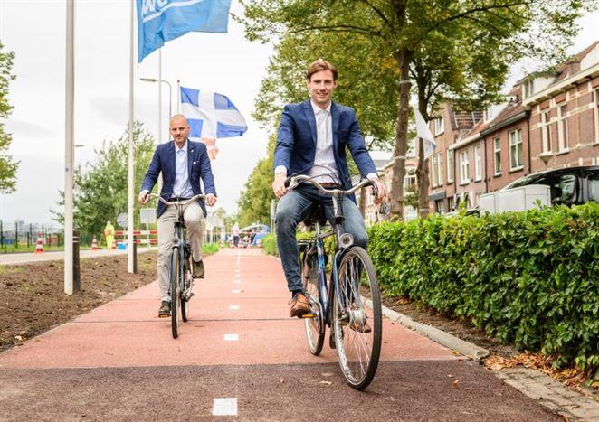 V Holandsku otvorili pilotný cyklistický chodník z recyklovaného plastu
