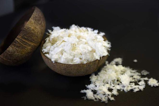 Prvý sveter z kokosového odpadu je na svete
