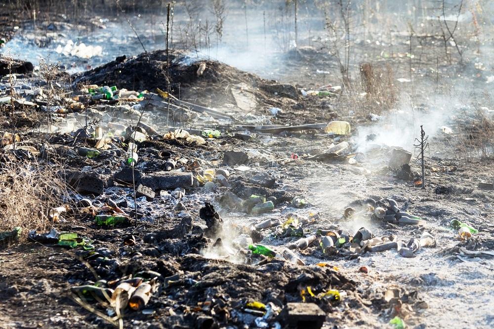"""Čínsky zákaz dovozu odpadu zasiahol európsky trh, novou """"skládkou"""" sa stáva Rumunsko"""