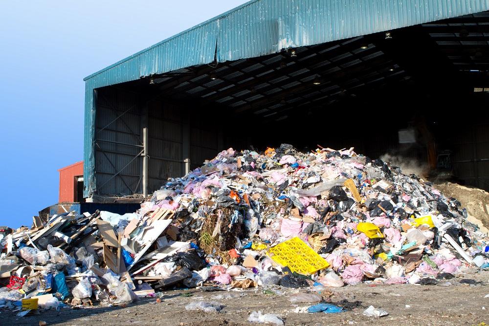Čína od januára zakáže dovoz všetkého odpadu zo zahraničia