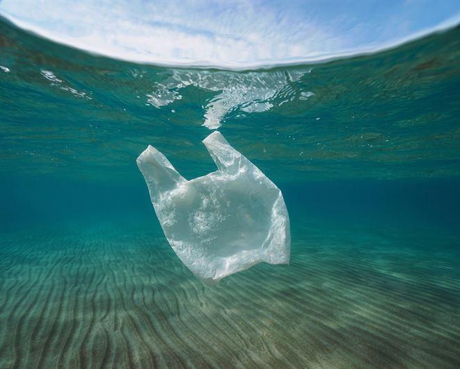 Takmer tretina plastov exportovaných na recykláciu do Ázie sa v skutočnosti nerecykluje