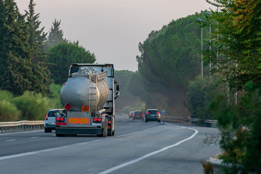 Musí mať uchádzač pri verejnom obstarávaní súhlas s cezhraničnou prepravou odpadov už pri predkladaní ponuky?