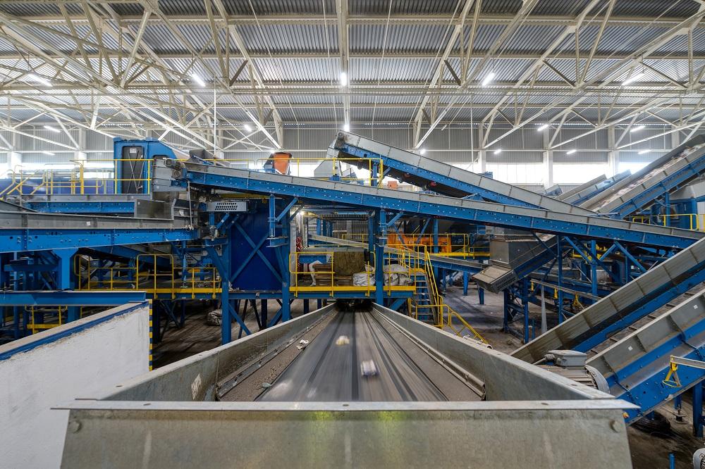 Švédi investujú milióny eur do najväčšieho zariadenia na recykláciu plastov na svete