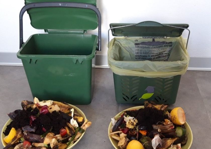 Zbierať kuchynský odpad do košíka alebo vedierka?