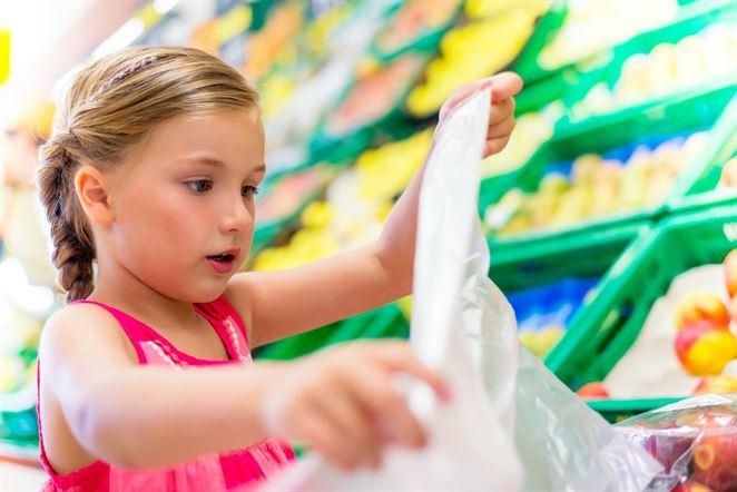 Ako máte účtovať a evidovať plastové tašky v obchode? Vo videu sa dozviete viac