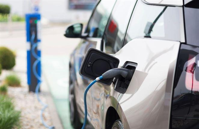 Čo s vyradenými batériami z elektromobilov? Kongres o recyklácii batérií ukázal viacero ciest