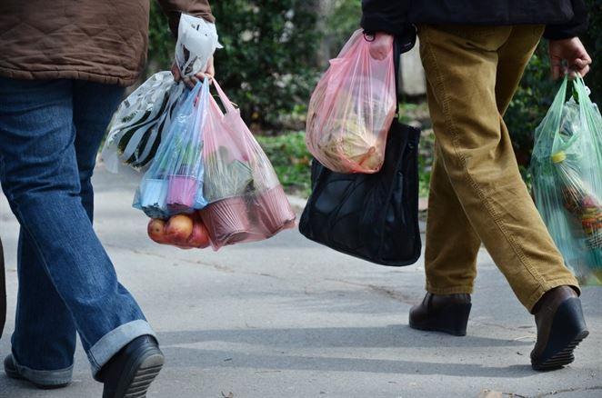 Čo hovorí o plastových taškách zákon o odpadoch?