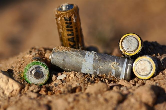 Takmer polovica batérií a akumulátorov v EÚ sa zbiera na recykláciu