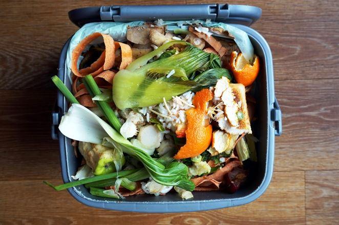 Zber, zvoz aj spracovanie. Firma ponúka komplexné riešenia pre kuchynský odpad