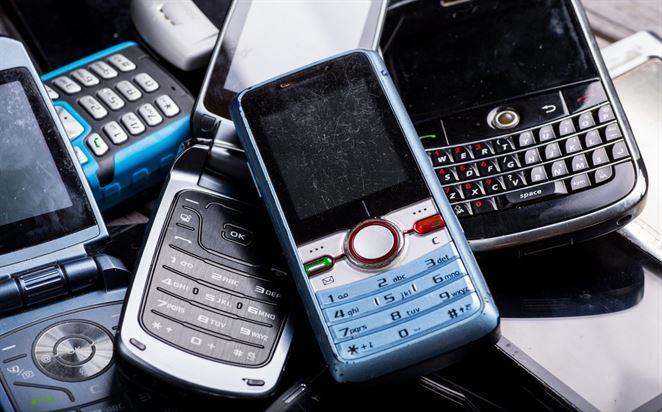 Školáci odovzdávajú staré mobily, súťažia o nové tablety