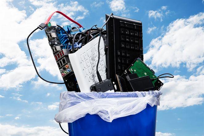 Objem vyzbieraného elektroodpadu apoužitých batérií rastie