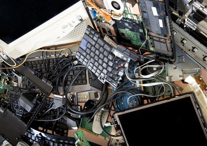 Mladí ľudia radšej predajú ako recyklujú elektroniku