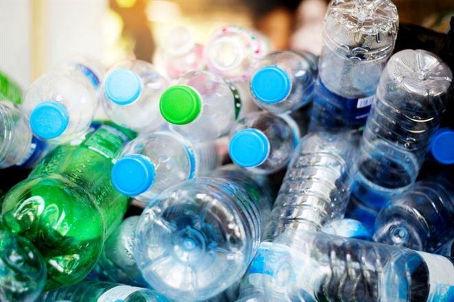 Je reálne priblížiť sa k 25 % podielu recyklátu v obale, tvrdia výrobcovia nealko nápojov