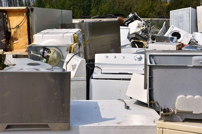 Recyklačný poplatok za elektrozariadenia opäť klesne. Členovia SEWA zaplatia od nového roku opäť menej