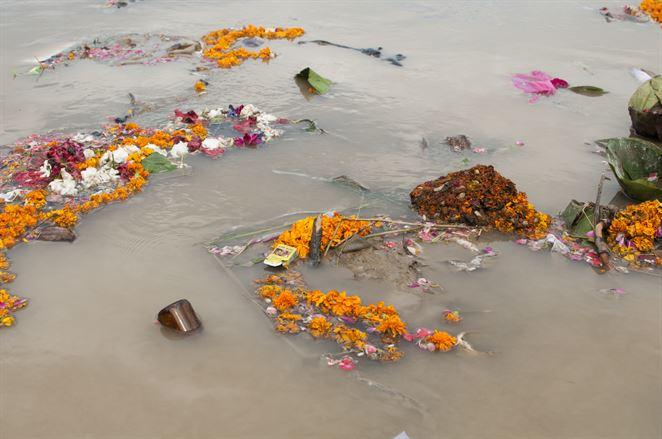 znečistená Ganga