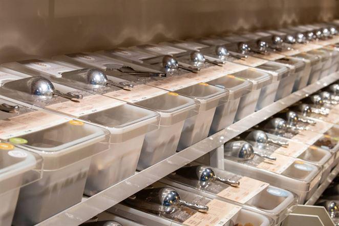 Kto zodpovedná za nebalené potraviny a ako prevádzkovať bezobalový obchod?