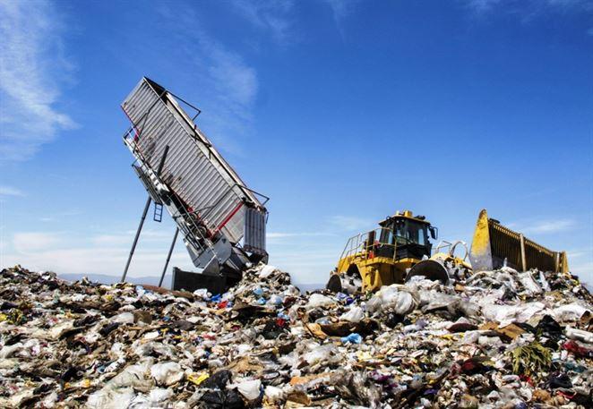 Odpad je štvrtým najväčším zdrojom emisií. Dôvodom ale nie sú spaľovne