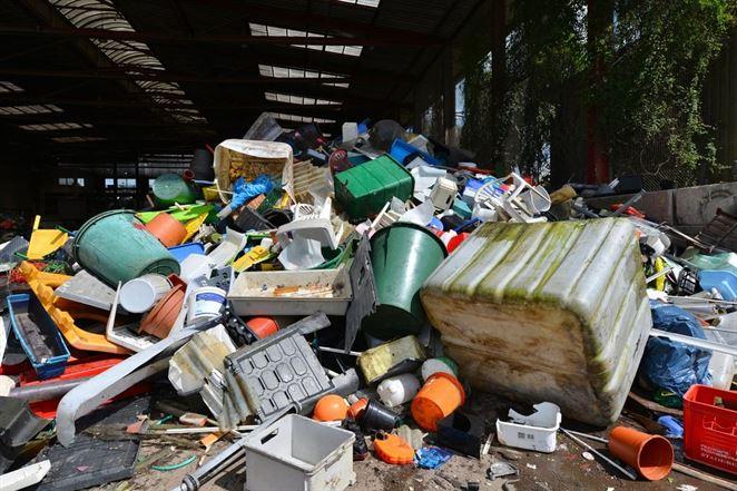 Zrušte recykláciu plastov, ak máte funkčný systém odpadového hospodárstva, tvrdí švajčiarsky vedec