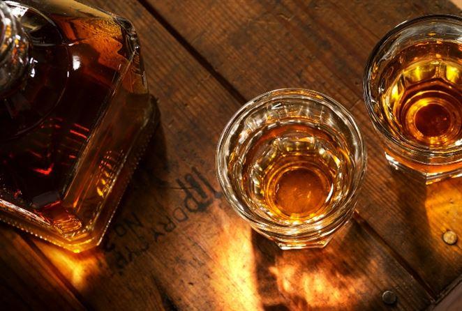 Odpad po výrobe whisky Škóti premieňajú na biopalivo