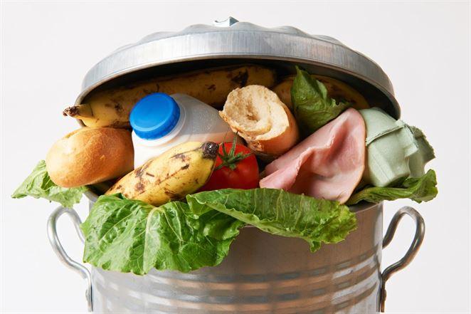 Ako obmedziť plytvanie potravinami? Odborníci navrhujú priehľadné koše