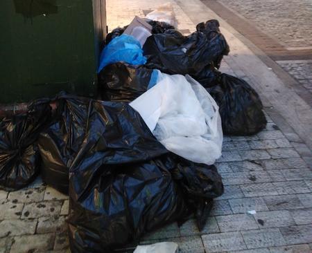 Birmingham zahádzaný odpadkami: štrajk smetiarov trval 50 dní