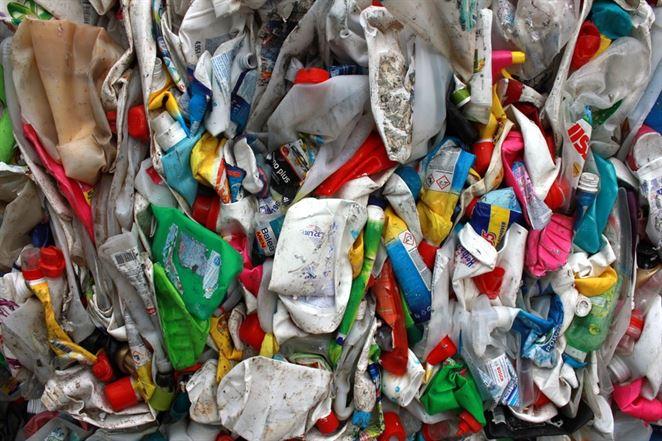 Plastový trh má problémy