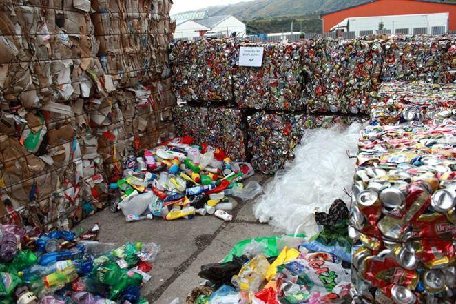 Odpady treba zdražieť, tvrdí analytik