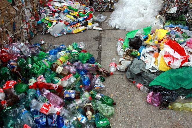 Pri recyklácii plastov sa míňa menej energie ako výrobe nových produktov