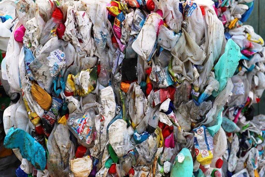 Názor. S chemickou recykláciou máme neblahé skúsenosti, opatrnosť je na mieste