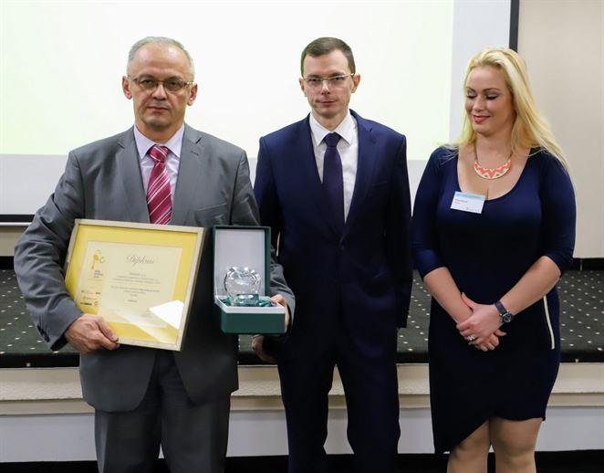 Slovenský vedec vyvinul unikátny bioplast. Záujem oň prejavila aj značka svetového formátu