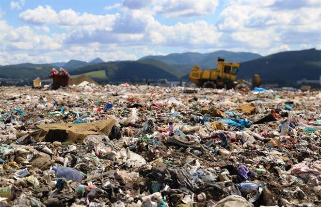 Tvorba odpadu na Slovensku pre krízu mierne klesne. Tu je prognóza (píše Marek Hrabčák)