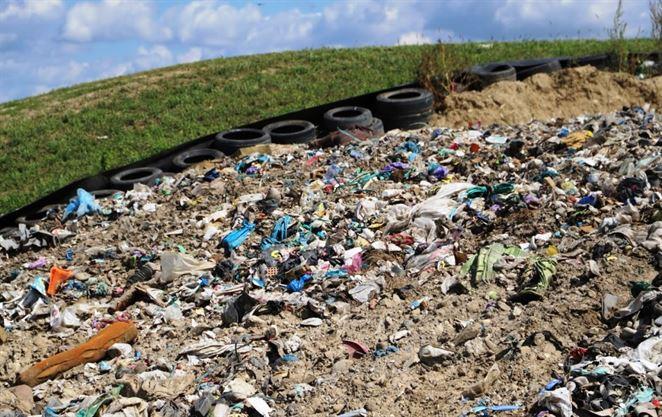 Skládky odpadov okolo Bratislavy treba rozšíriť, hrozí kolaps, píšu starostovia Budajovi