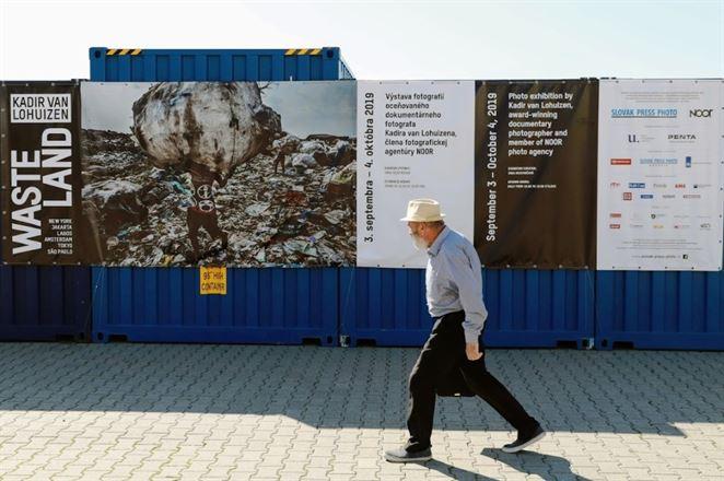 Unikátna výstava v bratislavskom Starom Meste ukazuje, ako nakladáme s odpadom