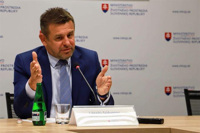 Minister informoval o tom, že jeho návrh zálohovať obaly podporujú aj niektorí lobisti