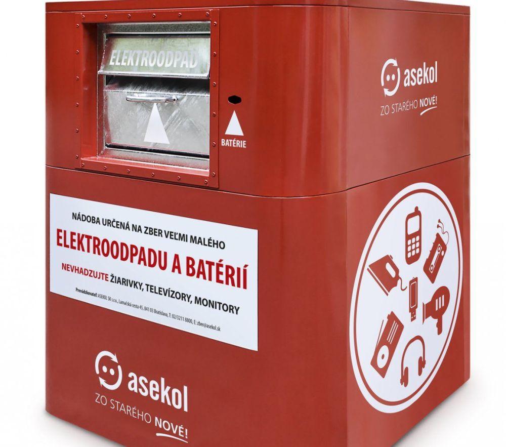 V Sliači sa vyzbieralo do červeno-bielych kontajnerov jeden a pol tony elektroodpadu