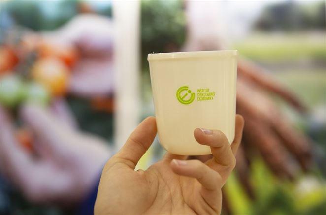 Menšie festivaly si môžu zapožičať poháre z unikátneho ekologického bioplastu