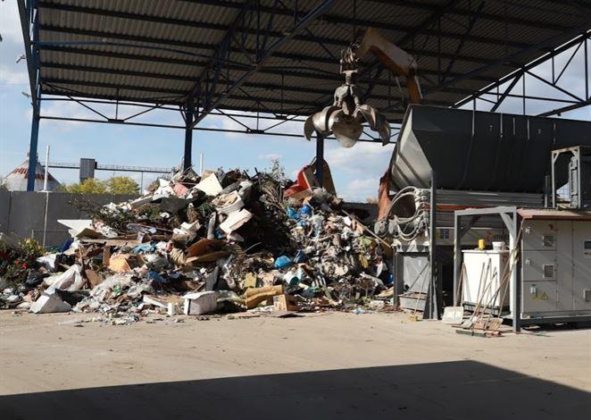 Čína zakáže dovoz niektorých odpadov do Hongkongu