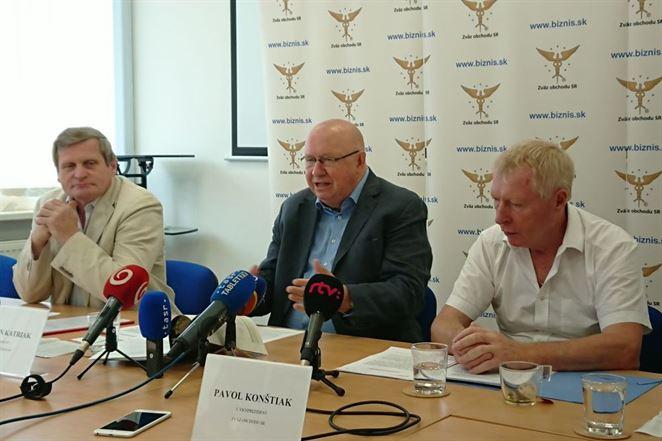 Slovenskí obchodníci: Zastavme nezmyselné zálohovanie PET obalov