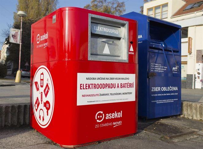 Už aj Zvolen má svoje červeno-biele kontajnery na drobný elektroodpad.