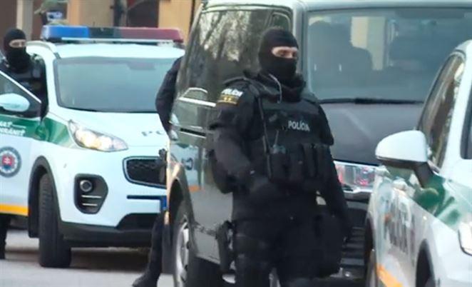 Polícia opäť zadržala podnikateľa s odpadmi Grebečiho a ďalšie osoby
