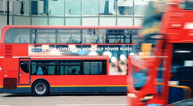 Londýnske autobusy bude poháňať netradičné palivo. Použitá káva