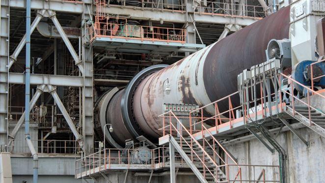 Cementári chcú zhodnotiť viac alternatívnych palív. Riešením má byť zníženie skládkovania